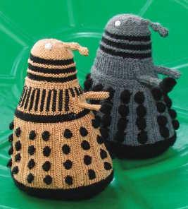 Dalek-Locator-Hat-for-intermediate-knitters